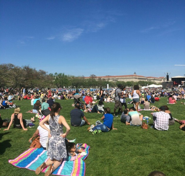 Thousands Flood National Mall for Earth Day Music and Message